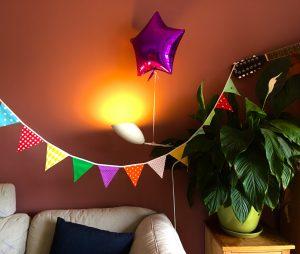 Sofa, Ballon, Pflanze